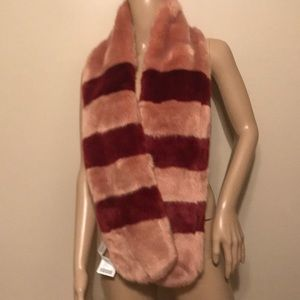 NWT Urban Outfitters faux fur scarf